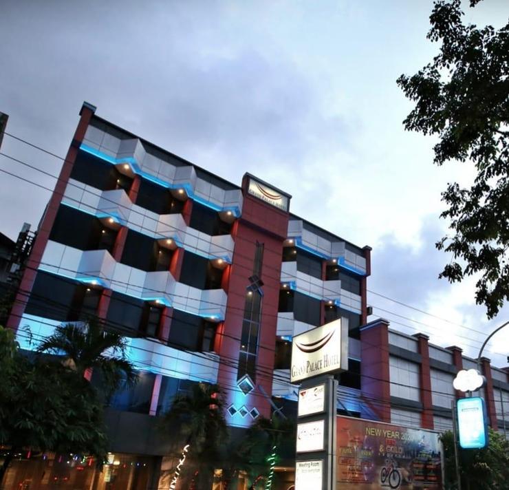 Grand Palace Hotel Makassar Makassar - Front