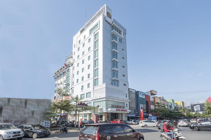 OYO 1114 Hotel Denpasar Makassar Makassar - Facade