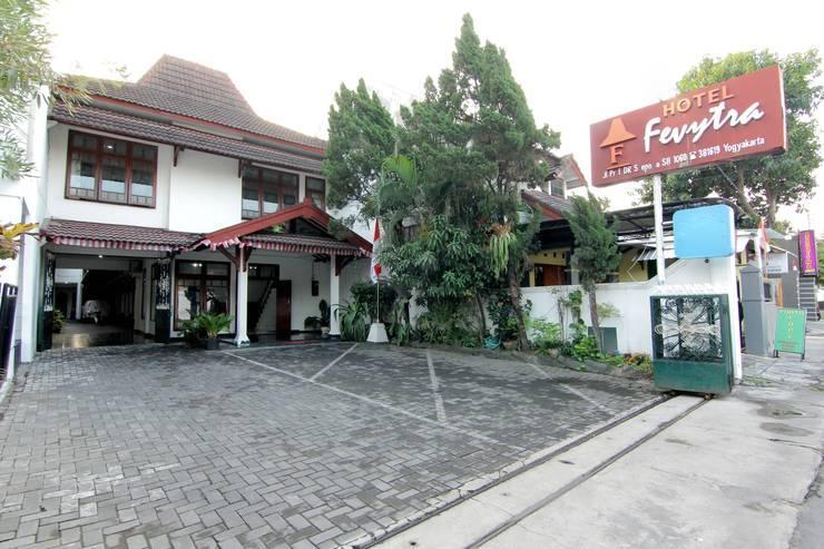Hotel Fevytra Syariah Yogyakarta - Hotel Outdoor