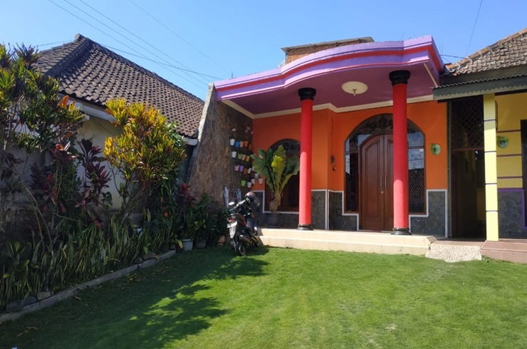 Green House Puncak Pinus Malang - Exterior
