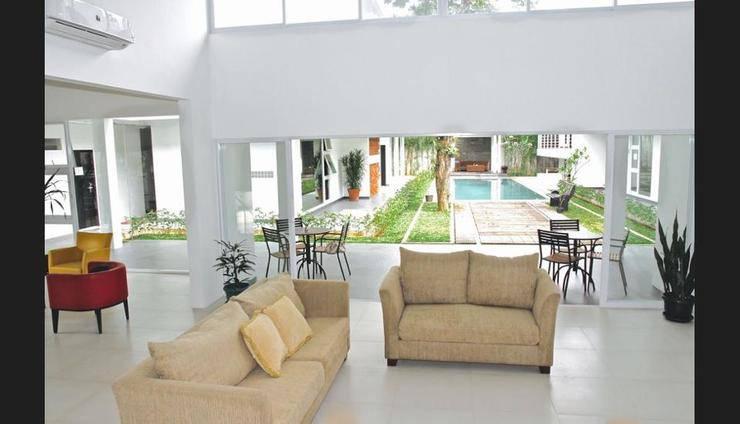 Ampera Avenue Residence Jakarta - Lobby Sitting Area