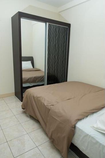 Apartment Queen Victoria Batam - Guestroom