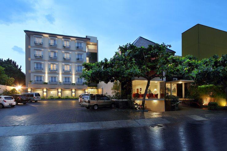 Emersia Malioboro Hotel Yogyakarta - Featured Image