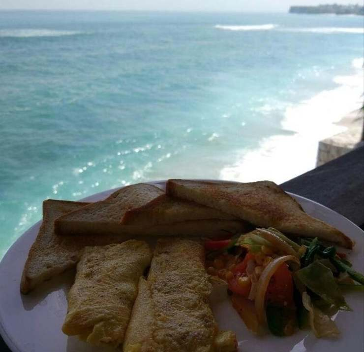 Bingin Beach House Bali - Breakfast Meal