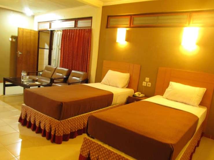 Lestari Hotel & Resto Jember - Guestroom