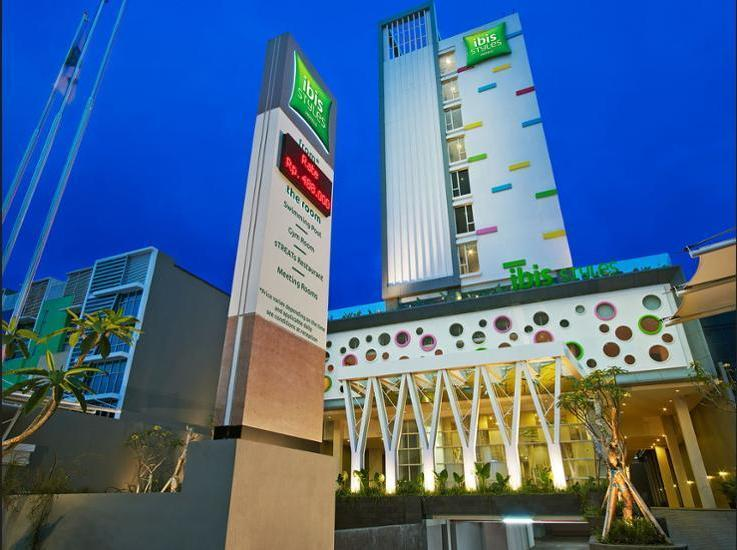 Ibis Styles Malang - Hotel Front