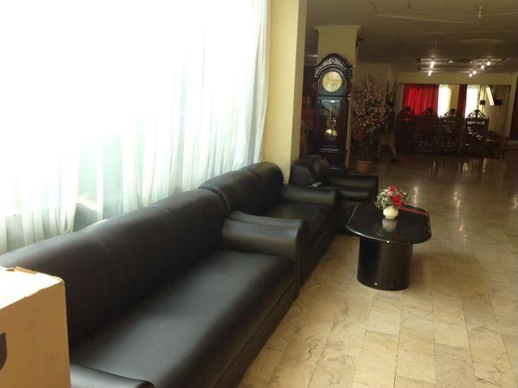 Hotel Lautze Indah Jakarta - Lobby Sitting Area