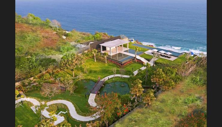 The Sanctus Villa Uluwatu - Featured Image