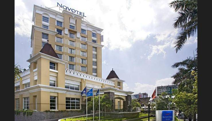 Novotel Semarang - Featured Image