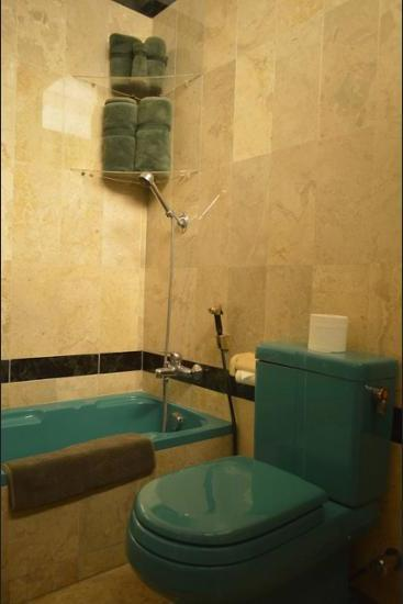 Pesona Guest House Jakarta Jakarta - Bathroom