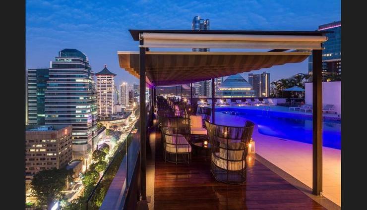 Hilton Singapore - Featured Image