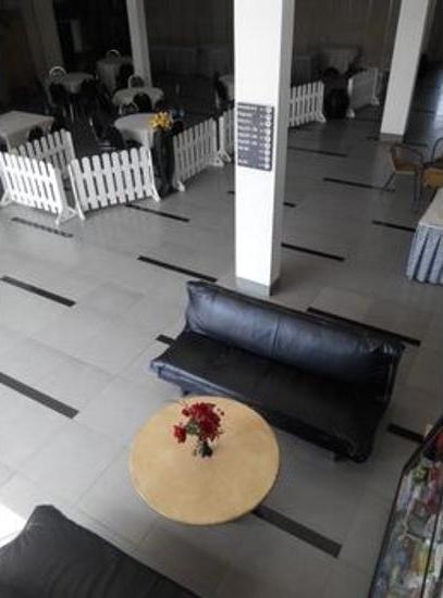 De Wahyu Hotel Batu - Lobby Sitting Area