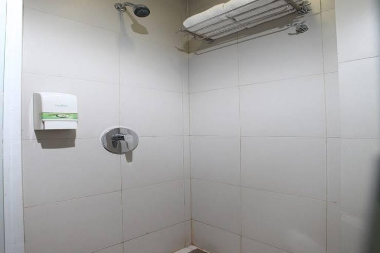 Whiz Hotel Cikini Jakarta - Kamar mandi