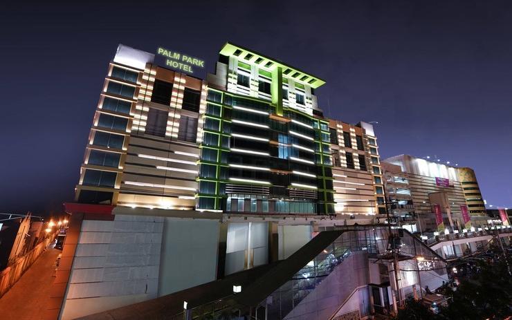 PALM PARK Hotel Surabaya Surabaya - Exterior
