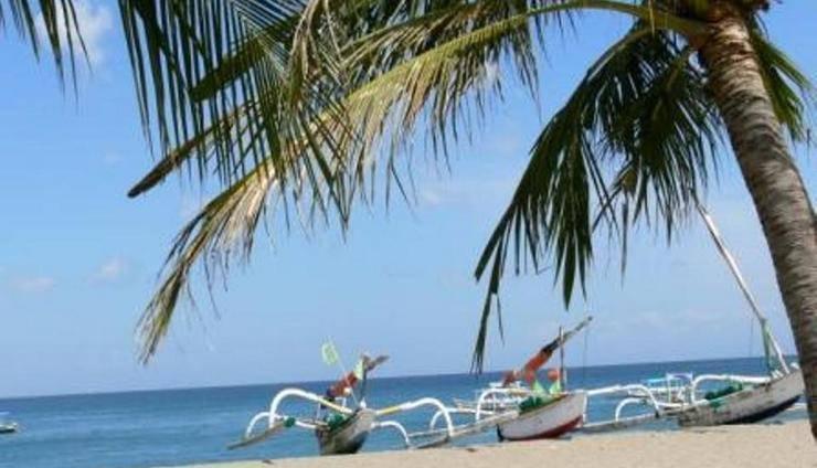 The Santosa Villas & Resort Lombok - Pantai