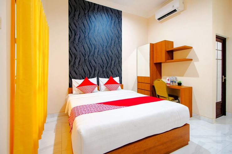 OYO 1473 Omah Tentrem Syariah Yogyakarta - Bedroom