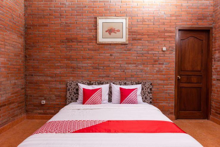 OYO 1558 Villa Mak Cik Yogyakarta - Bedroom