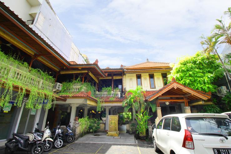 Airy Raya Legian 113 Kuta Bali - building