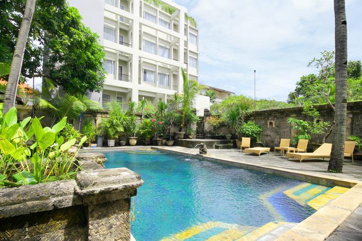 Airy Raya Legian 113 Kuta Bali - pool