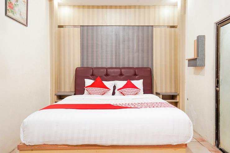 OYO 164 Ang's Residence Surabaya - Bed Room