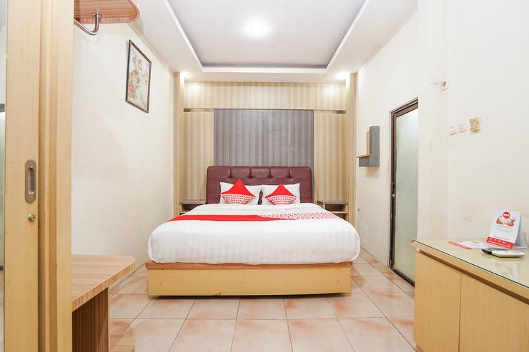 OYO 164 Ang's Residence Surabaya - Bedroom