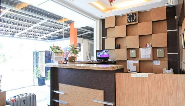 The Nancys Home Stay Pekanbaru - Reception