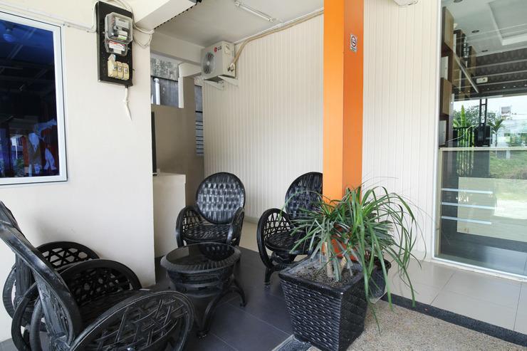 The Nancys Home Stay Pekanbaru - Exterior