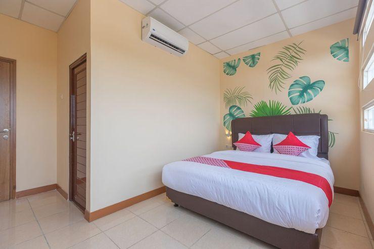 OYO 1552 Iodium Residence Bekasi - Bedroom