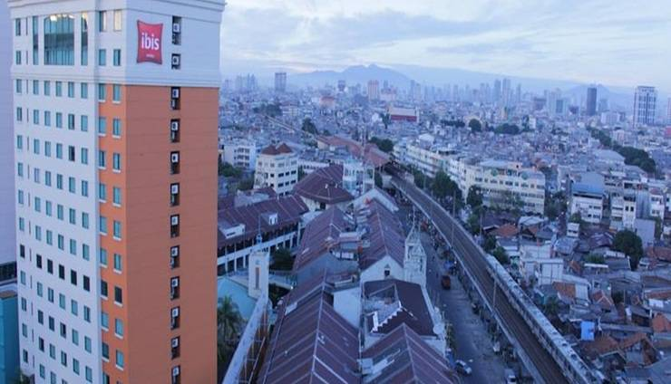 Ibis Mangga Dua Jakarta - Hotel Building