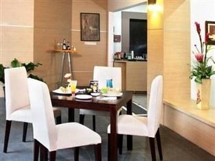 D Season Hotel Surabaya - Restoran