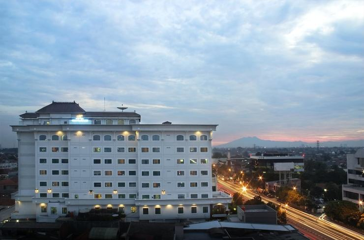 Maharani Hotel Jakarta - Featured Image