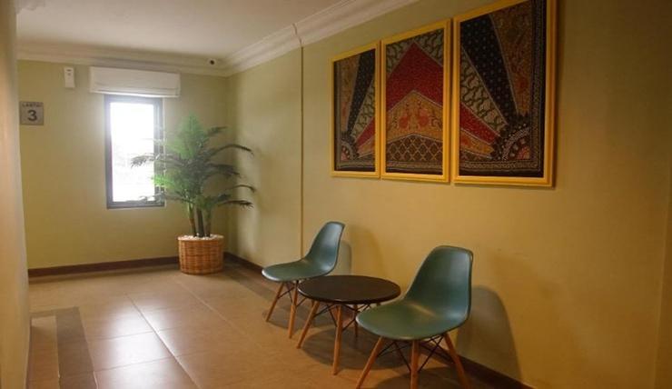 Kendari Suite Hotel Kendari - Interior lobby atas