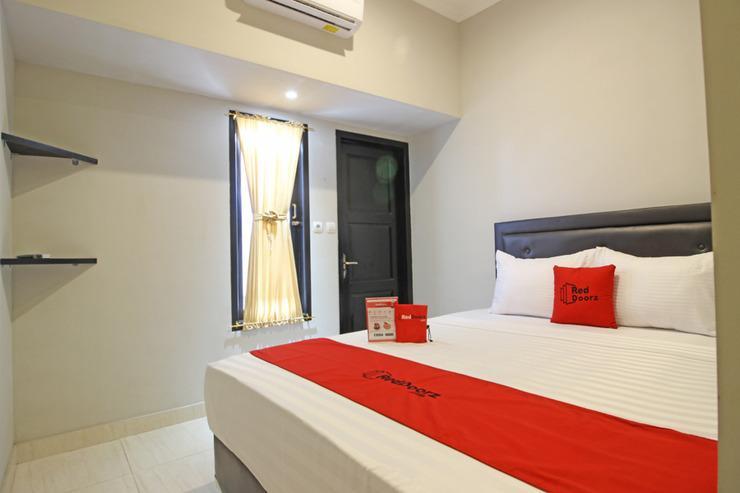 RedDoorz near De Tjolomadoe Solo - Guestroom