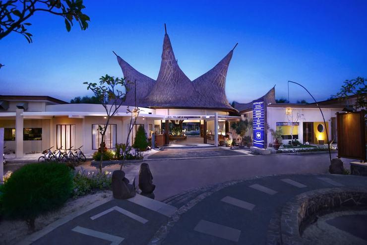Aston Sunset Beach Resort - Gili Trawangan - View from Property