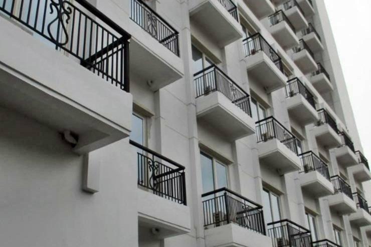 P Hotel Jakarta - Tampilan Luar Hotel