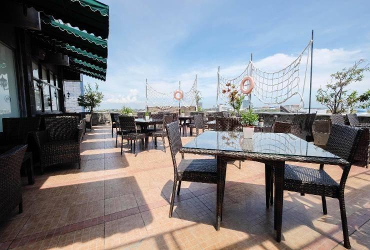 Kenari Tower Hotel Makassar - Exterior