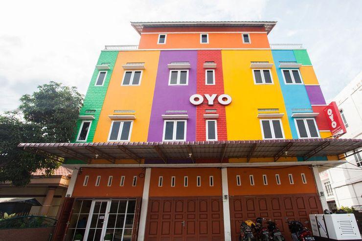 OYO 1052 Sentosa Jaya Guest House Medan - Facade