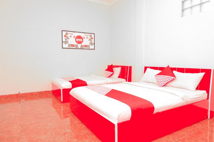 OYO 351 Syariah Guest House Karanglo Malang - Bedroom