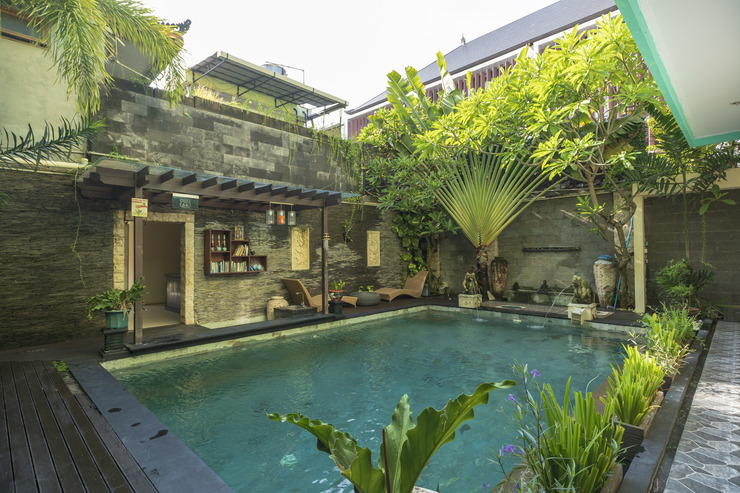 OYO 523 Dedy Beach Inn Bali - Swimming Pool