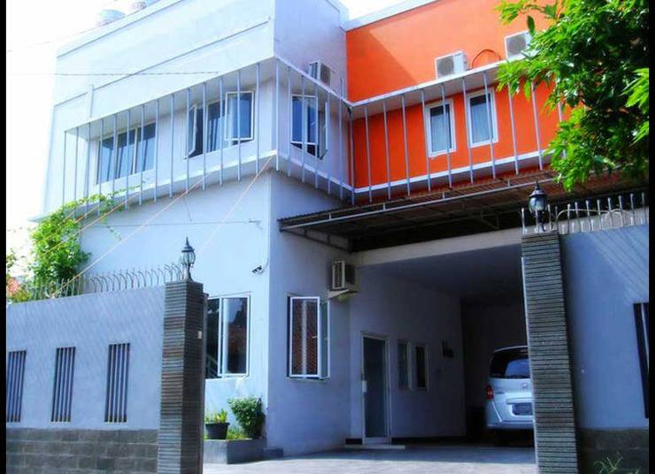 Tenacity Guest House Cirebon - Tampilan Luar Hotel