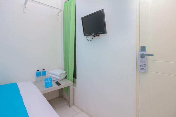 Airy Eco Syariah BSD Serpong Pondok Cempaka Satu 13  Tangerang - Standard Double