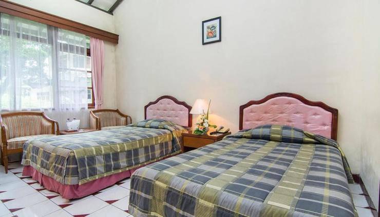 The Bandungan Hotel Semarang - KAMAR SUPERIOR