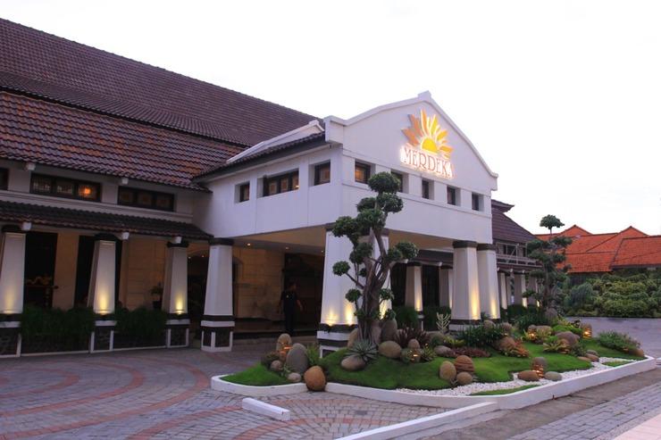 Hotel Merdeka  Kediri - Building