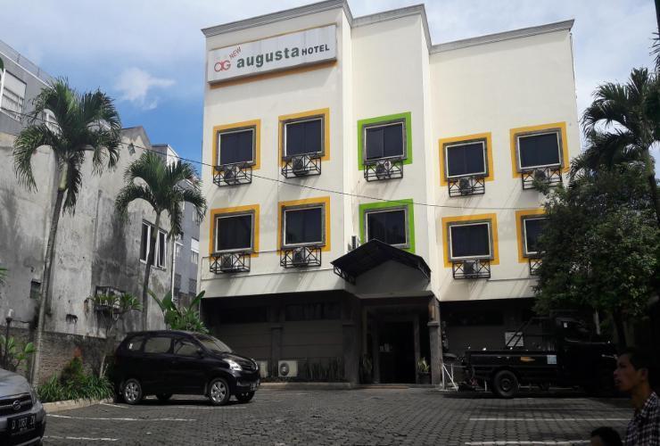 Hotel Augusta Surapati - Tampak depan
