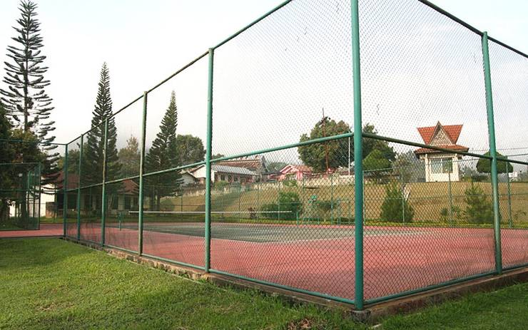 Sinabung Hills Resort Berastagi - Tennis Pool