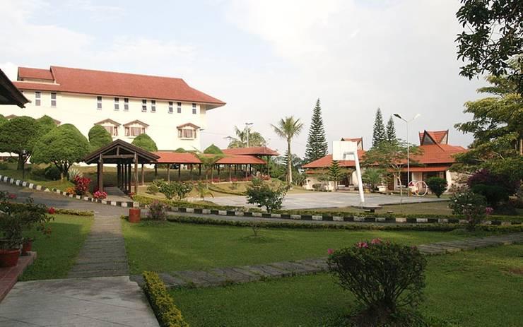 Sinabung Hills Resort Berastagi - Exterior