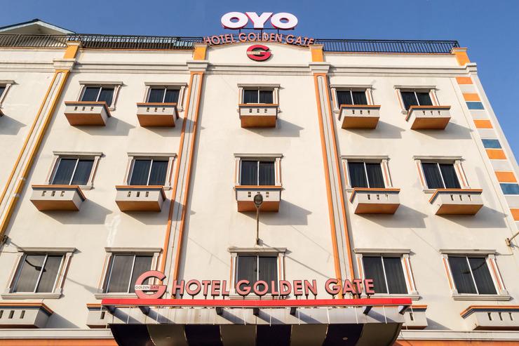 OYO 625 Hotel Golden Gate Batam - Facade