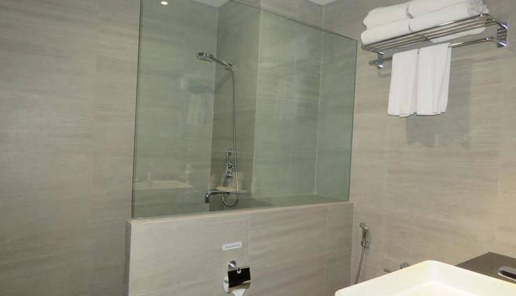 Prime Plaza Hotel Kualanamu - Medan Medan - Bathroom