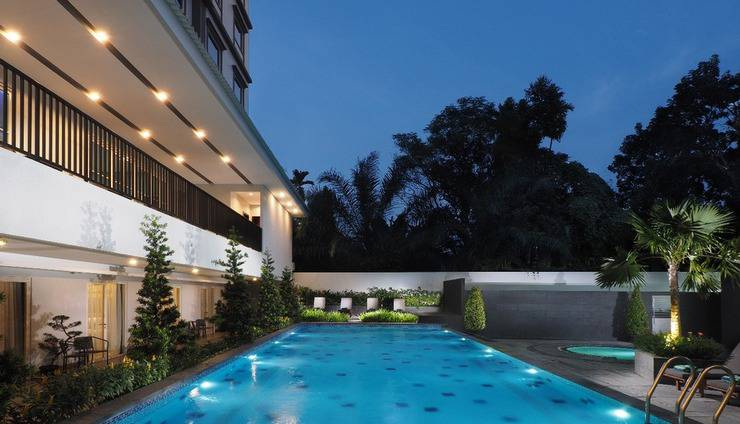 Prime Plaza Hotel Kualanamu - Medan Deli Serdang - Koalm renang