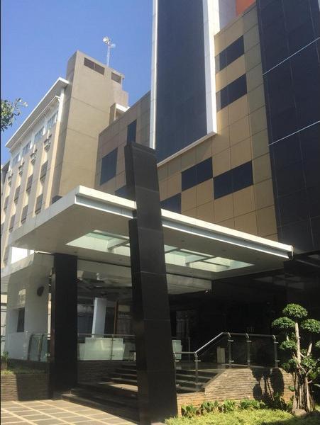 The Venesia Hotel Tangerang Selatan - Facade